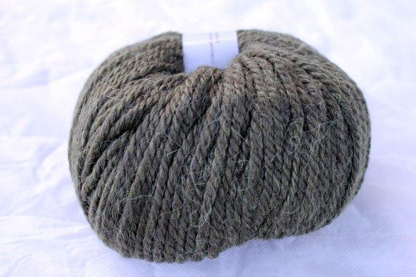 Katia Wolle der Sorte Peru in der Farbe Dunkelgruen
