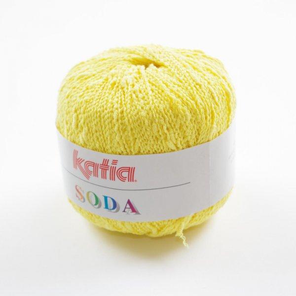 Katia Wolle der Sorte Soda in der Farbe Hellgelb