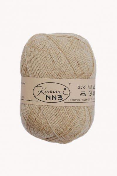 Kauni Wolle der Sorte Einfarbig in der Farbe NN3