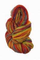 Kauni Wolle der Sorte Lacegarn in der Farbe XEQ